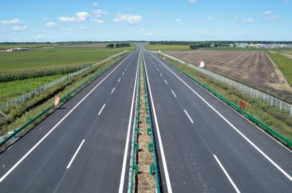张家口市高速公路建设驶入快车道