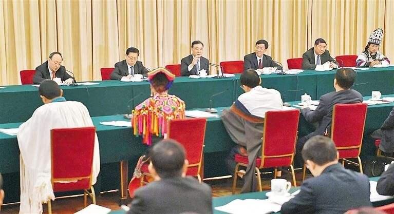 四川代表团举行全体工作会议 集中审议政府工作报告