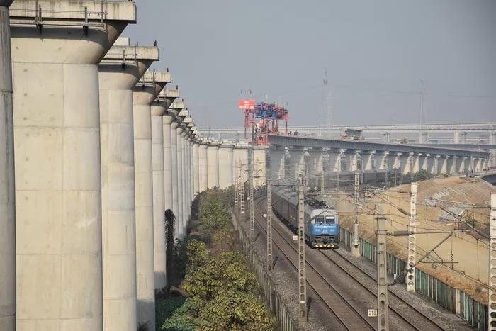 期待!成兰铁路四川段有望上半年全线铺轨