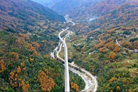 巴陕高速11月22日上午10点全线通车
